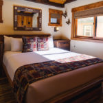 Cottage #15: Custom made cabinets, vaulted ceiling, TV, Eastern king bed
